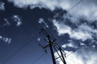 olivier gomez,photographe corse,fil electrique,ciel,nuage,reseau